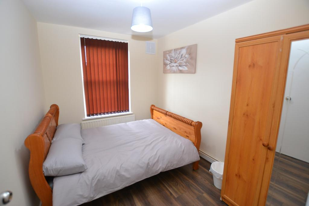 Hollybush Gardens, Bethnal Green, London, E2 9QT